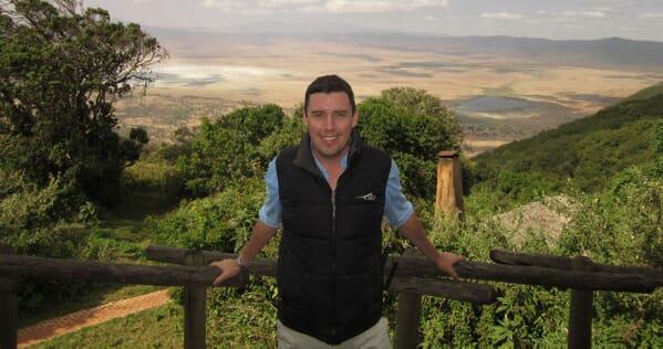 tanzania Ngorongoro crater man balcony