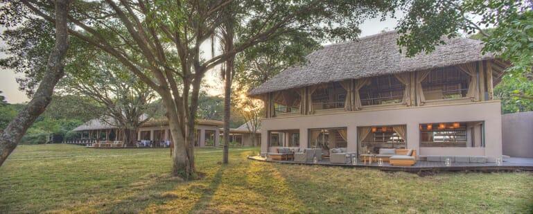 Kenya Masai Mara Kichwa Tembo guest area exterior family safari