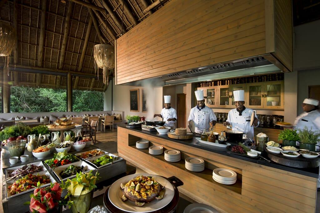 Kenya Masai Mara Kichwa Tembo interactive kitchen family safari