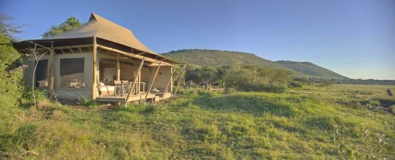 Kenya Masai Mara Kichwa Tembo family safari superior view tent