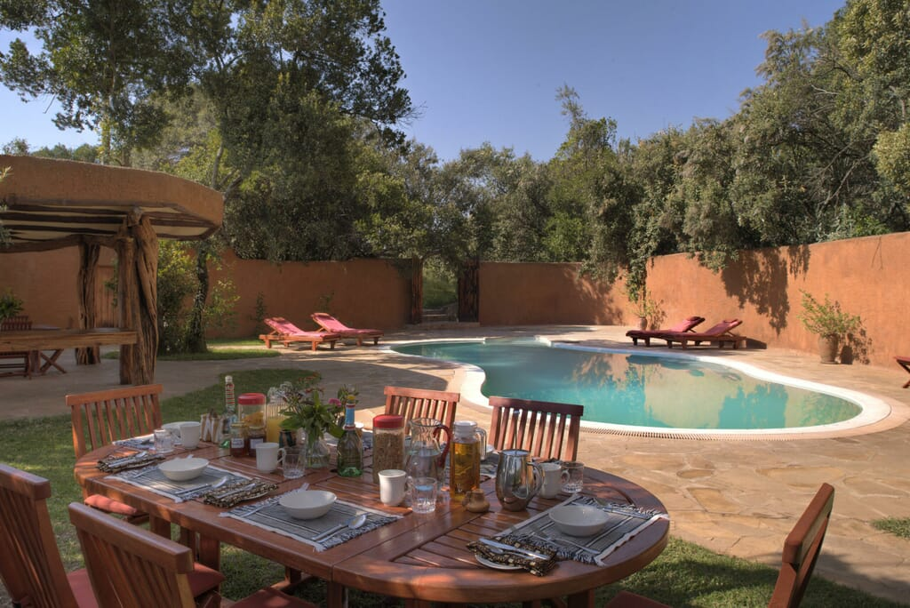 Acacia-House-Lunch-at-the-pool-scaled.jpg?w=1024&h=684&scale