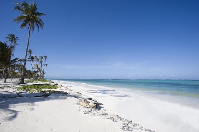 Tanzania Zanzibar Baraza family beach holiday