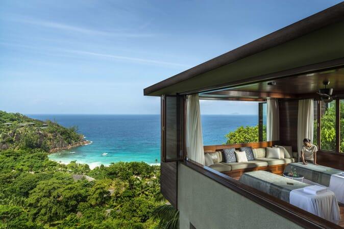 Four Seasons Resort Seychelles massage room