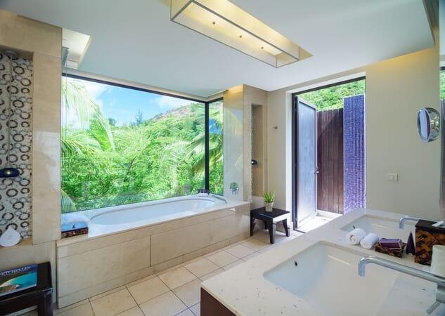 Raffles Seychelles partial ocean bath
