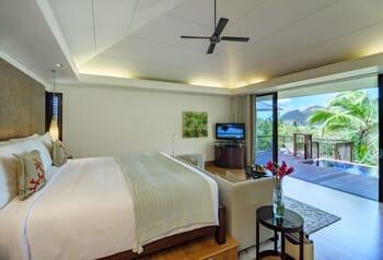 Raffles bedroom