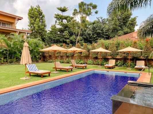 Uganda safari Entebbe number 5 boutique hotel