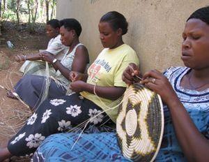 Bigodi women weaving
