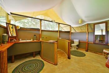 Ishasha Wilderness bathroom
